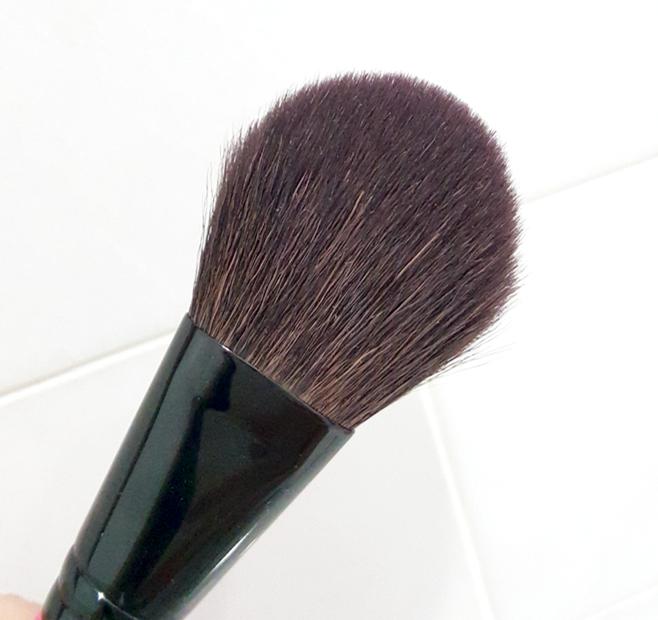 MustaeV Easy Go Blush Brush